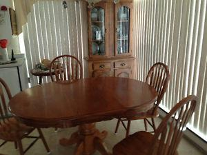 Dining room table set and China hutch for sale