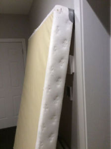 FREE low profile queen sized box spring