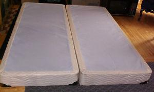 KING KOIL 2-PART QUEEN-SIZE BOX SPRING