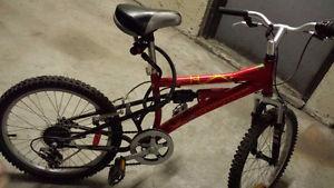 Like new - boys python 6-speed bike