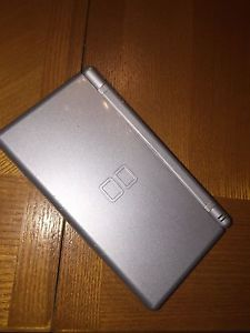 Nintendo DS lite Silver with charger