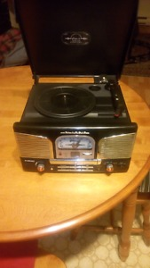 Replica Vintage style record player cd player and radio