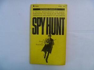 SPY HUNT by Norman Daniels