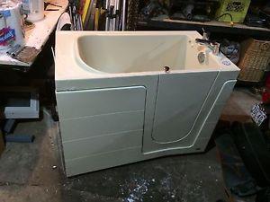 Walk in tub, make me an offer