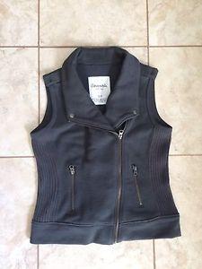 Wanted: Vest