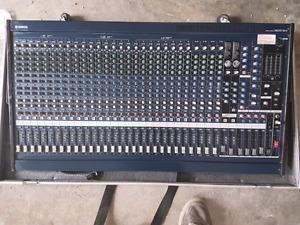 Yamaha mgfx +travel case + 24 channel snake w/6 returns