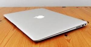 13.3-inch MacBook Air 1.6 Ghz dual core intel Core i5