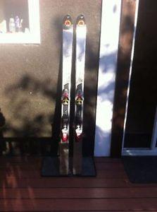 Downhill skis Rossignol / Volant / Fischer $20 a pair
