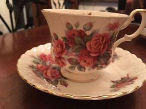 Five fine bone china tea cups - Royal Albert, Antique Rose,