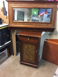 """Pier 1 """"Pyramid Collection"""" Mirror & Console Stand"""
