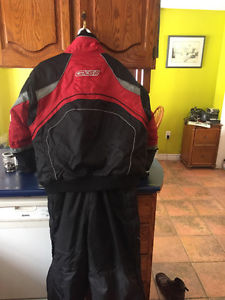 Skidoo suit hardly used