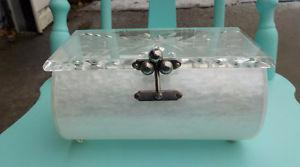 VINTAGE 50'S CHARLES S. KAHN LUCITE JEWEL BOX