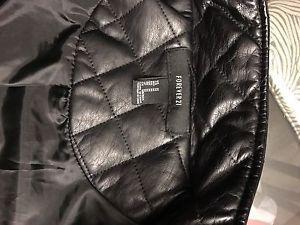 Wanted: Black zip vest