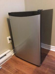 Wanted: GE bar fridge