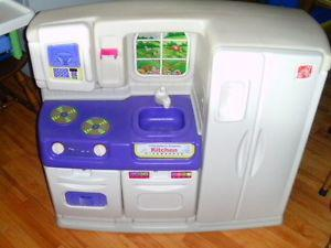 for sale a kitchen play set