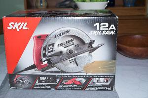 12 Amp Skil Circular Saw with 7 1/4 inch blade