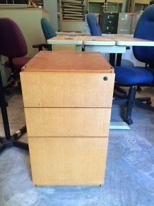 2 or 3 drawer pedestal filing cabinet in metal or laminate