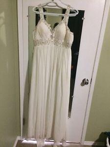 Beautiful Alfred sung wedding dress
