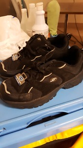 Men's shoes size 7 brand new