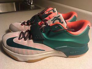 Nike KD men's Basketball shoes size 13 like new