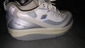 Skechers ladies Running Shoes Size 7