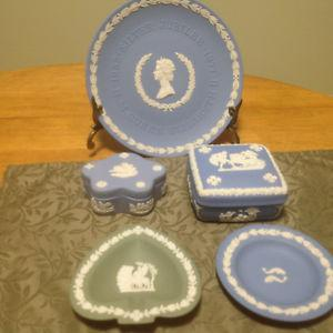Small Collection Of Vintage Wedgewood Jasper
