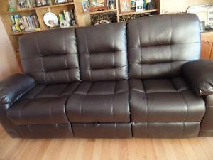 BROWN LEATHER RECLING SOFA