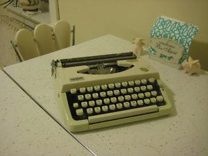 Brother Charger 11 Typewriter with Case