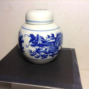 Chinese Blue and White Jingdezhen Jar with Lid Cover