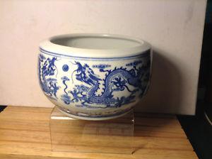 Chinese Qianlong Nian Zhi Blue and White Dragon Bowl