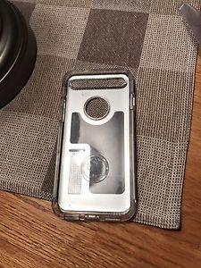 Clear/Silver Spigen case for iPhone 7