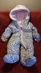 Sweet Baby Girls Carter's Pram Snowsuit Size 6-9mts