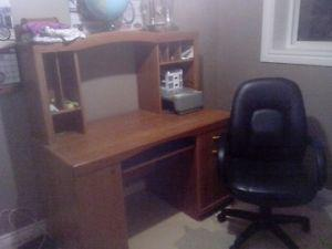 computer desk and chair for sale!