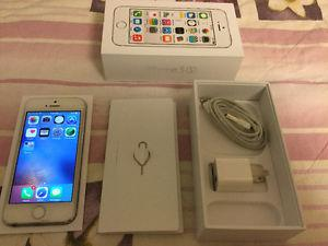 iPhone 5s 16 GB Silver, $230 like brand new