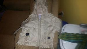 2 manteau size 12 mois 15$ pour les deux