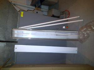 4' Waterproof Light Fixture