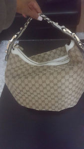 BRAND NEW AUTHENTIC GUCCI HAND BAG