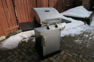 Barbecue - 2 Burner Gas Grill with 2 Gas Tanks