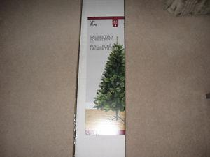 Brand New 6 Foot Laurentian Forest Pine Christmas Tree