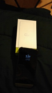 Brand new Unlocked LG5 32gb with box and accessories $475