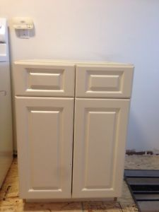 Kitchen Cabinets/Cupboards
