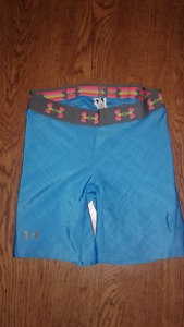 Ladies Under Armour Shorts Size Small