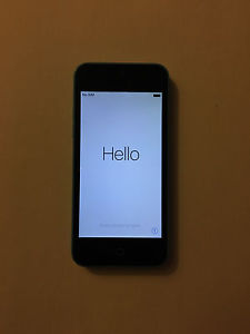 Wanted: 8gb Apple Iphone 5c with Charger + Otterbox
