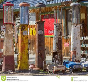 Wanted: Looking to buy old gas pumps.