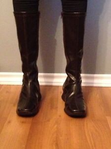 Women's size 6 Boots Brand New