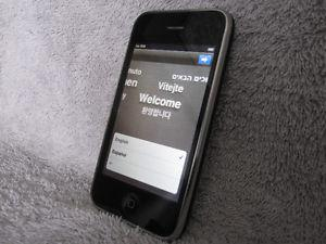 Apple iPhone 3GS 16GB Smart phone Cell phone, works great