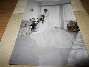 Beautiful Wedding Dress Size 6, Worn once dry cleaned in box