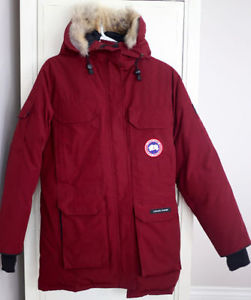 Canada Goose Women's Expedition Parka (Like new condition!)