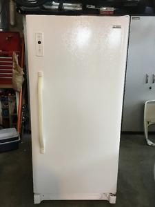 Brada Mf 183 Upright Freezer Posot Class