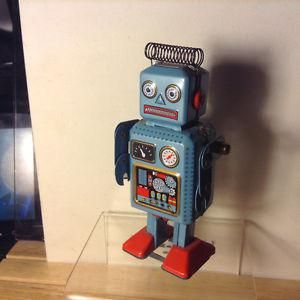 Metal Clockwork Wind Up Mechanical Walking Robot TIN Retro